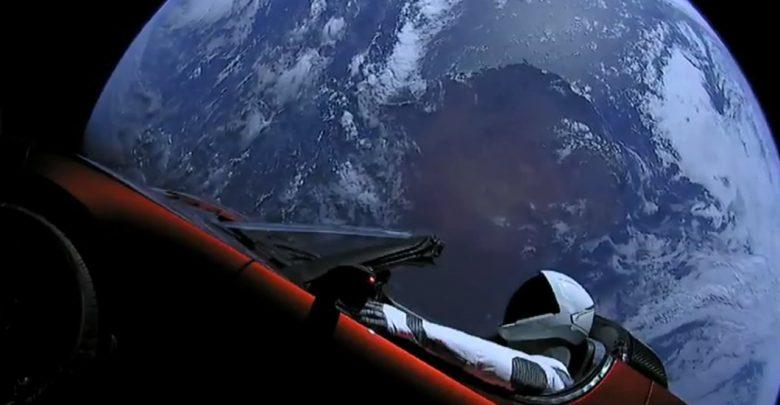 le tesla roadster spatial a pass l 39 orbite de la plan te mars. Black Bedroom Furniture Sets. Home Design Ideas