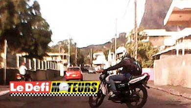 Photo of Une moto débouche sans regarder