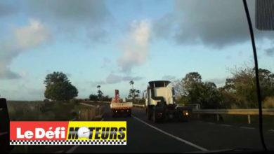 Photo of Ce camion mauricien effectue un dépassement plus que dangereux