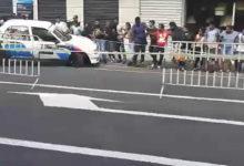 Photo of Vidéo : Une voiture de rallye blesse des spectateurs à Curepipe