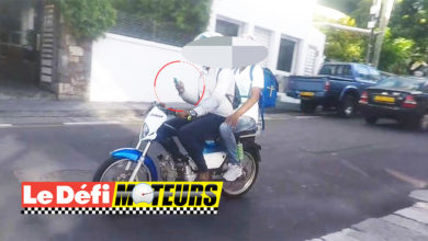 Photo of A moto ou en voiture, des conducteurs mauriciens ne lâchent pas leurs téléphones