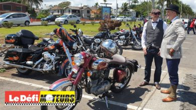 Photo of 37 motards au guidon de motos classiques sur les routes de Maurice